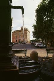 Piazza Caraffa con Fontana e Castello