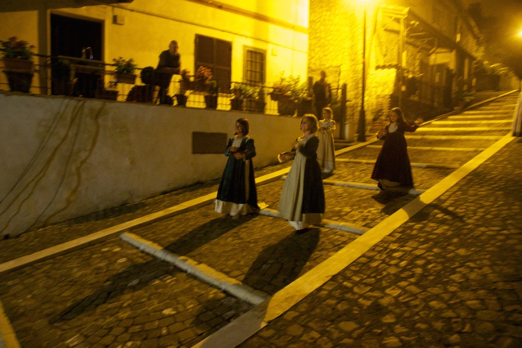 Prove della sfilata sulle scalette sl borgo