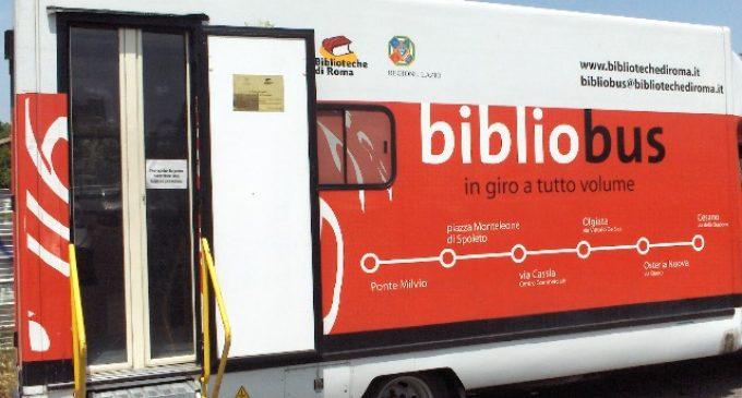 Bibliobus, cartelli stradali ed altre amenità
