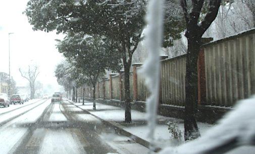 Neve, ghiaccio a Cesano: scuole chiuse