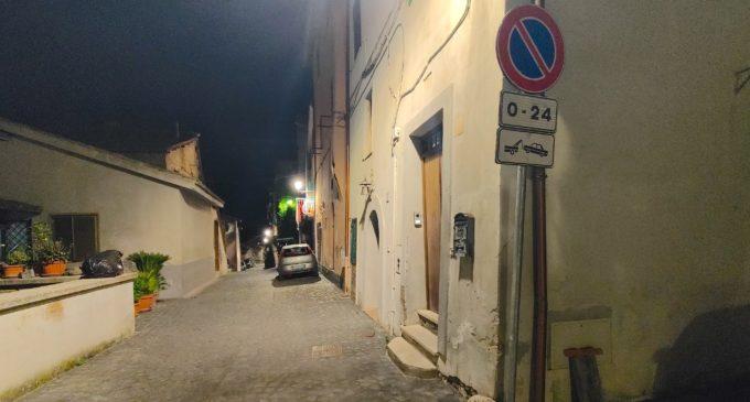 Divieti di sosta h24 al Borgo